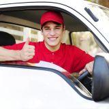 Автомобильный курьер с личным автомобилем