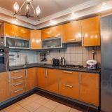 Продается трехкомнатная квартира 74.3 кв.м. им 70-летия Октября, 26