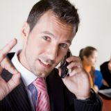 Менеджер по продажам на телефоне