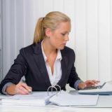 Сотрудник с навыками бухгалтера в компанию