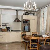 Продам трехкомнатную (3-комн.) квартиру, 1-го Мая ул, д 338, Краснодар г