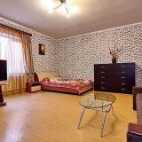 Продам двухкомнатную (2-комн.) квартиру, Яркая ул, д 34, Краснодар г