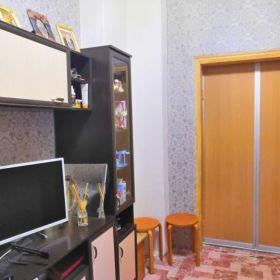 1к. кв. продам в Центре- ул.Карасунская 65. Хозяин. 2/2к. пл.22 кв.м.